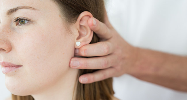 Atlastherapie bei junger Frau